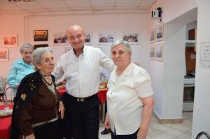 toader cu bunicile